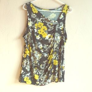 Floral print sleeveless top size XL